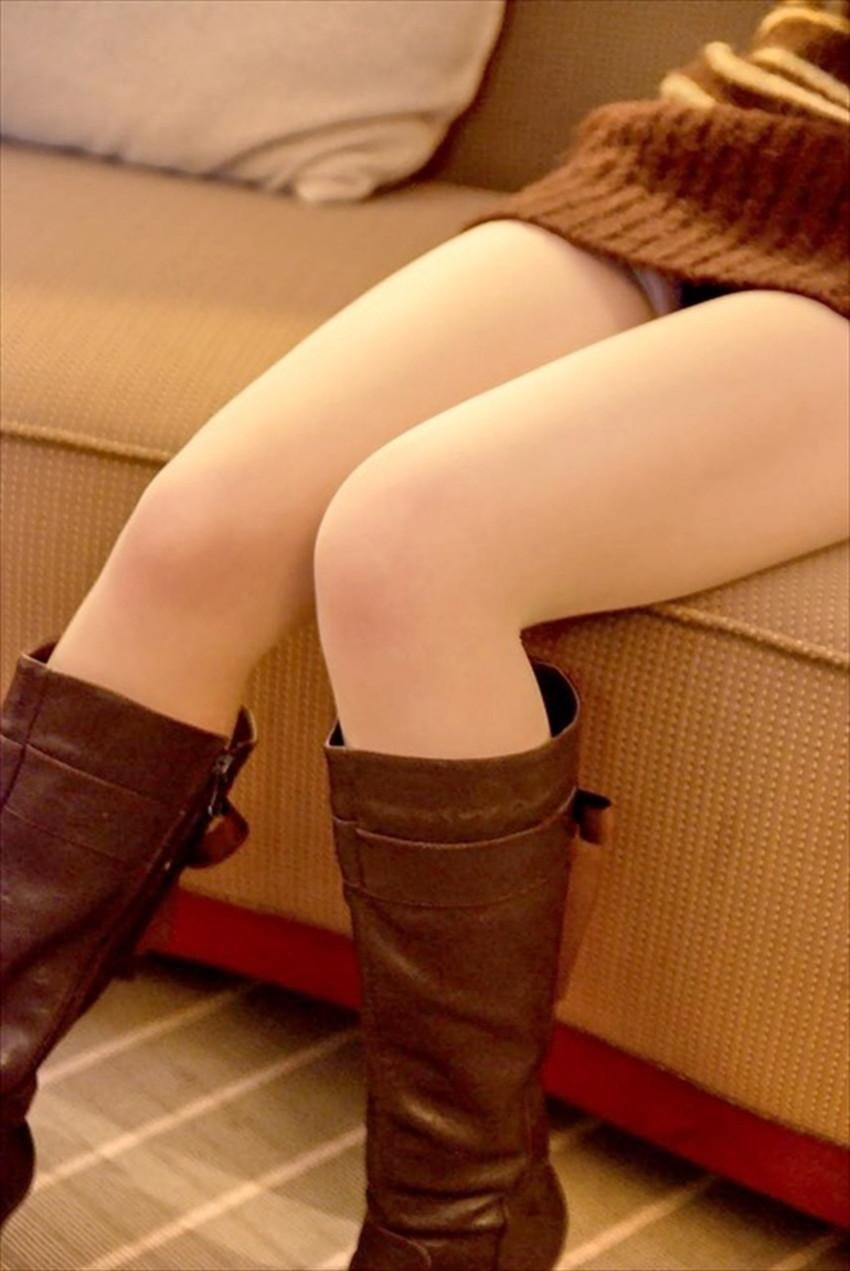 【太ももエロ画像】膝枕して噛みつきたくなるむっちり太もも!美女が太ももを強調して誘惑してくれてる太もものエロ画像集!ww【80枚】 20
