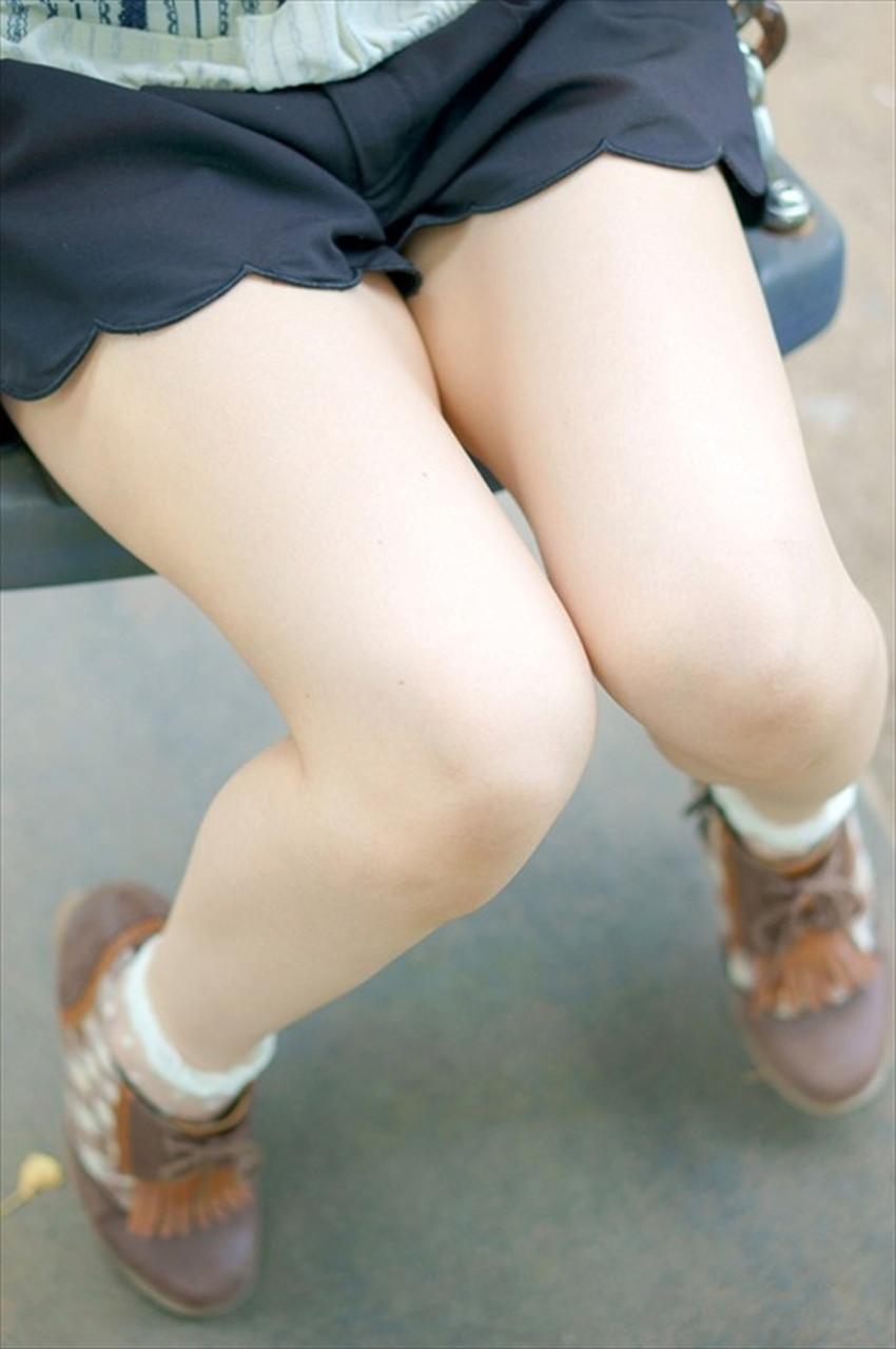 【太ももエロ画像】膝枕して噛みつきたくなるむっちり太もも!美女が太ももを強調して誘惑してくれてる太もものエロ画像集!ww【80枚】 59