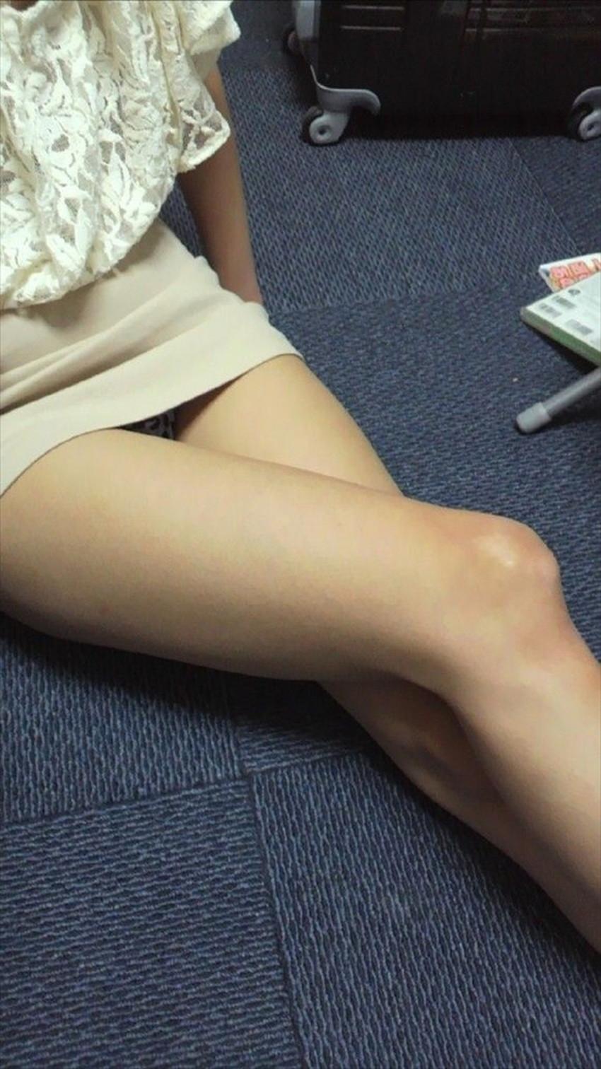【太ももエロ画像】膝枕して噛みつきたくなるむっちり太もも!美女が太ももを強調して誘惑してくれてる太もものエロ画像集!ww【80枚】 74