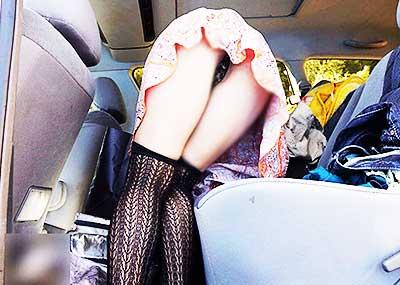 【ミニスカパンチラエロ画像】美尻で美脚なタイトミニのギャルが立ちバックやM字開脚でパンティー見せて誘惑してくれてるミニスカパンチラのエロ画像集wwww【80枚】