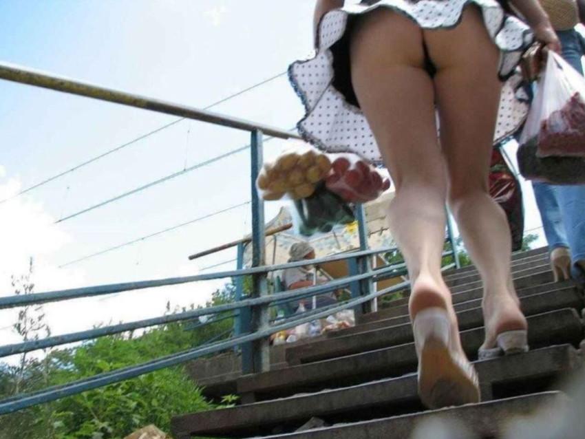 【ミニスカパンチラエロ画像】美尻で美脚なタイトミニのギャルが立ちバックやM字開脚でパンティー見せて誘惑してくれてるミニスカパンチラのエロ画像集wwww【80枚】 07