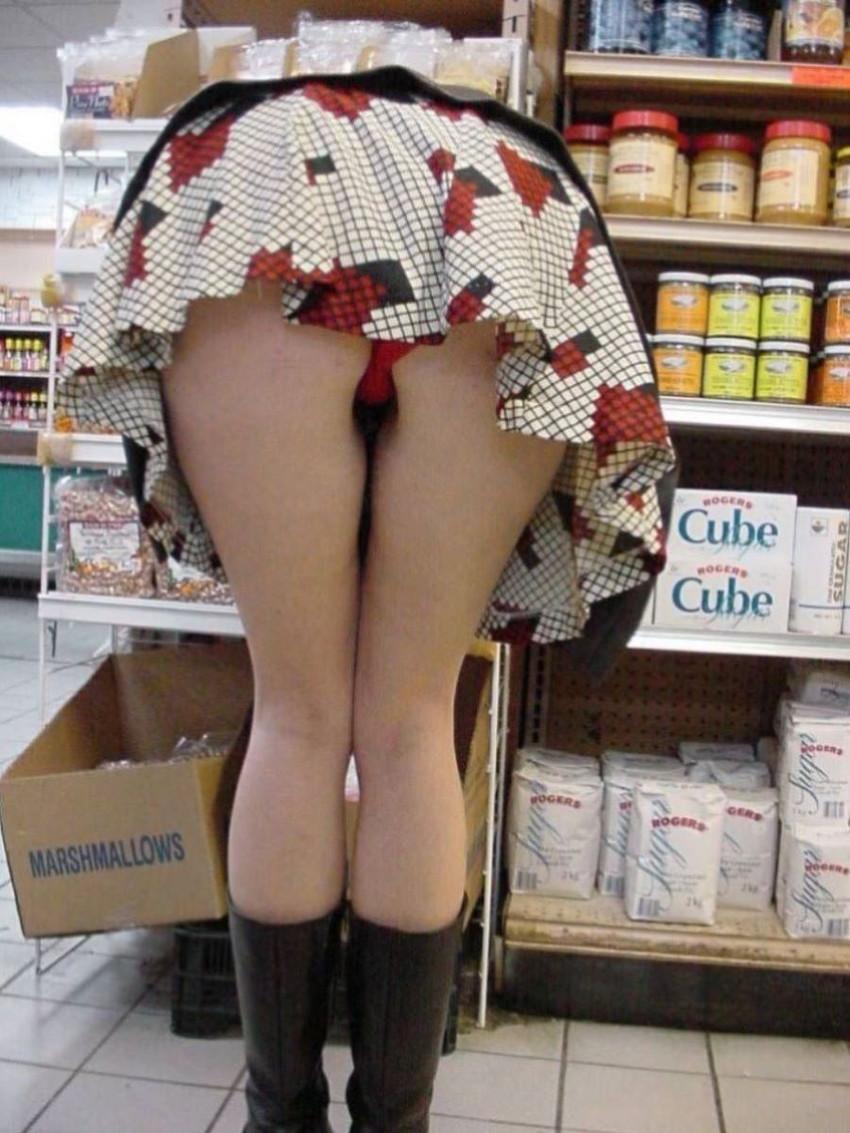【ミニスカパンチラエロ画像】美尻で美脚なタイトミニのギャルが立ちバックやM字開脚でパンティー見せて誘惑してくれてるミニスカパンチラのエロ画像集wwww【80枚】 69