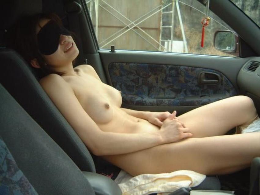 【車内オナニーエロ画像】助手席のドマゾ娘がオナニーしてるところを運転席から眺めて調教してる車内オナニーのエロ画像集!ww【80枚】 13