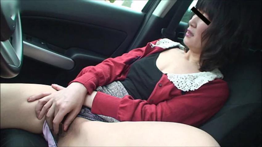 【車内オナニーエロ画像】助手席のドマゾ娘がオナニーしてるところを運転席から眺めて調教してる車内オナニーのエロ画像集!ww【80枚】 16