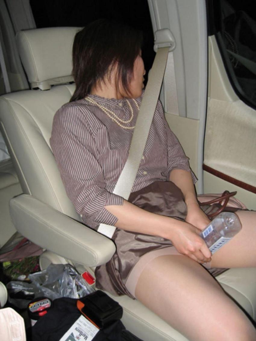【車内オナニーエロ画像】助手席のドマゾ娘がオナニーしてるところを運転席から眺めて調教してる車内オナニーのエロ画像集!ww【80枚】 74