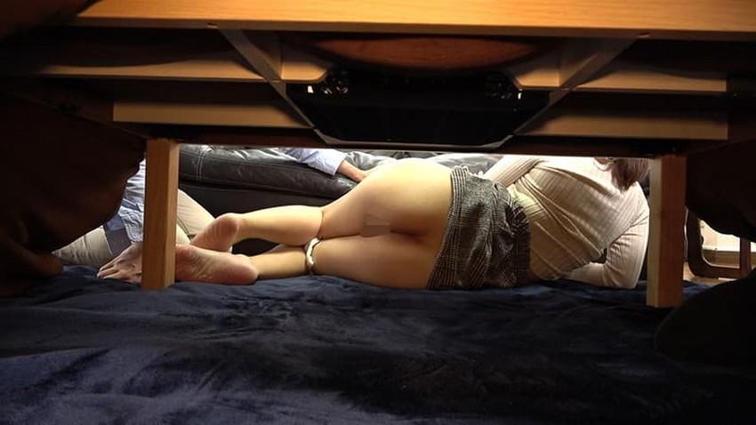 【コタツセックスエロ画像】ぬっくぬくのコタツで小悪魔ビッチがご奉仕フェラしたり欲求不満な熟女妻と不倫しちゃったコタツセックスのエロ画像集ww【80枚】 19
