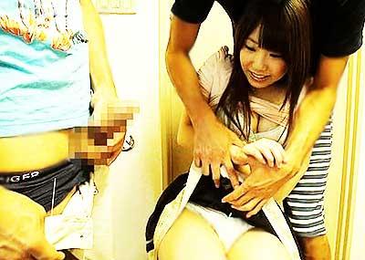 【センズリ鑑賞エロ画像】混浴で美女にセンズリ見せつけたり人妻にセンズリ鑑賞させてフェラさせようとしてるセンズリ鑑賞のエロ画像集!ww【80枚】