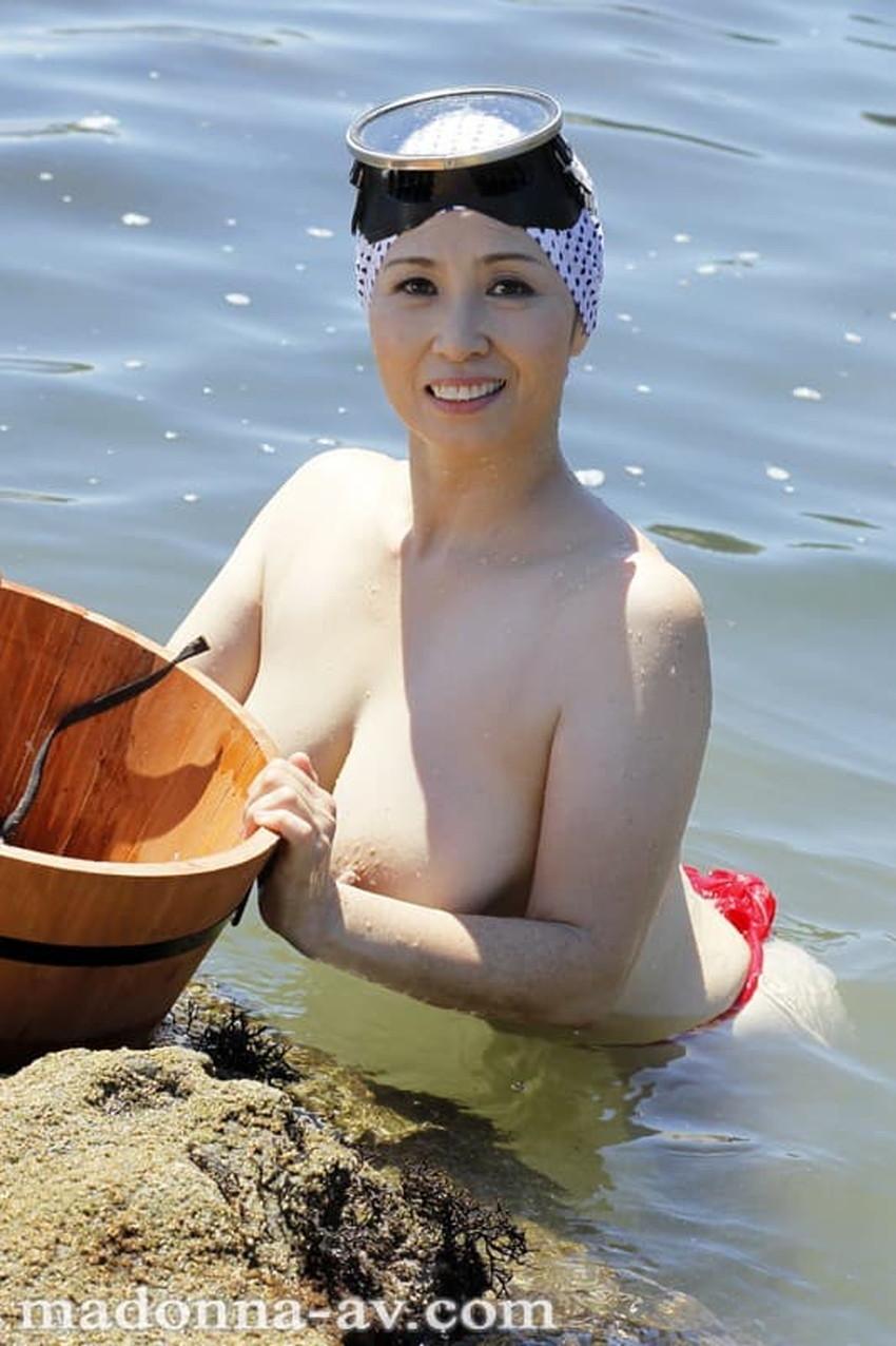 【海女さんエロ画像】どっちがアワビかわからなくなる実は豊満ボディな海女さんのエロ画像集!!ww【80枚】 31