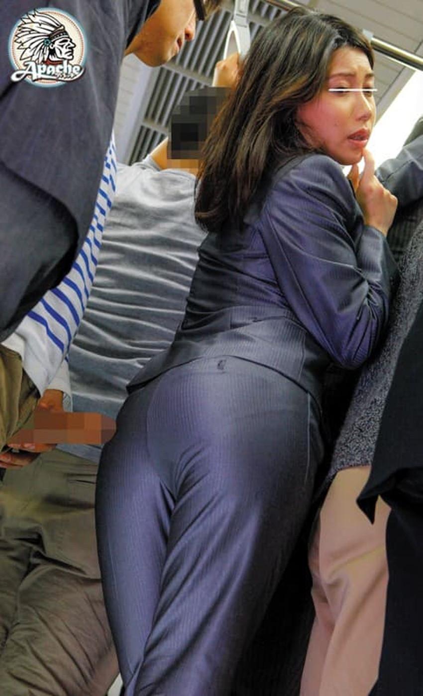 【パンツスーツエロ画像】パンツスーツのキャリアウーマンやOLのパン線を視姦したり引き裂いてバイブやちんぽをブチ混んじゃったパンツスーツのエロ画像集!!ww【80枚】 63