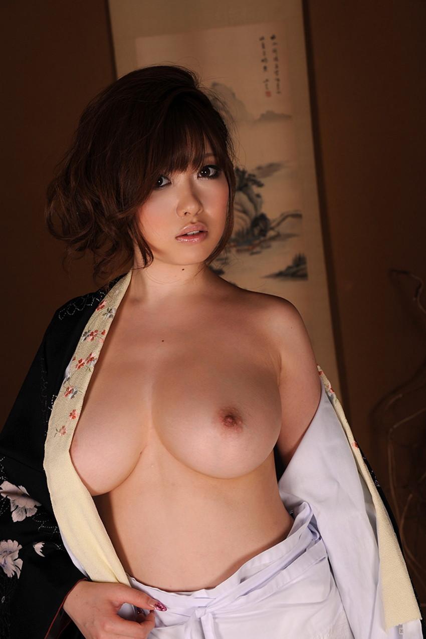 【Gカップエロ画像】肩こり必至の超爆乳Gカップ娘が神乳露出して誘惑してくれてるGカップのエロ画像集!!ww【80枚】 47