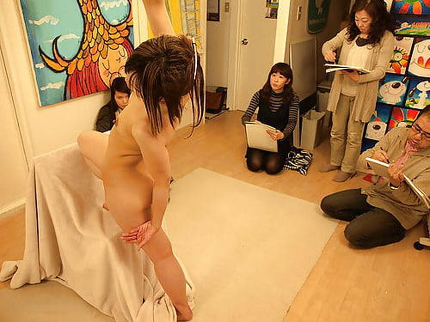 【ヌードモデルエロ画像】デッサン用のヌードモデルがエロ過ぎてスケッチそっちのけで輪姦しちゃうヌードモデルのエロ画像集!ww【80枚】 25
