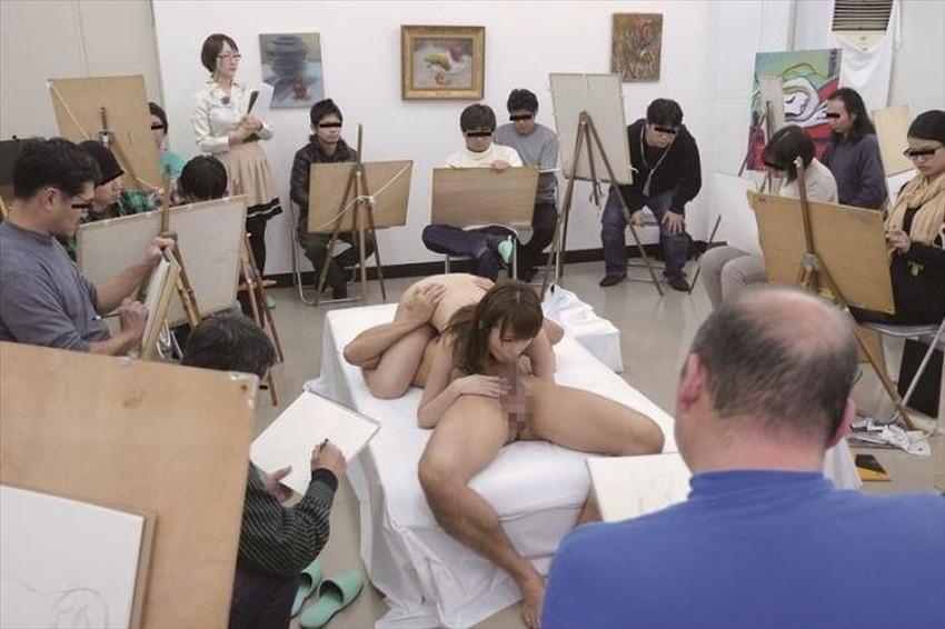 【ヌードモデルエロ画像】デッサン用のヌードモデルがエロ過ぎてスケッチそっちのけで輪姦しちゃうヌードモデルのエロ画像集!ww【80枚】 35
