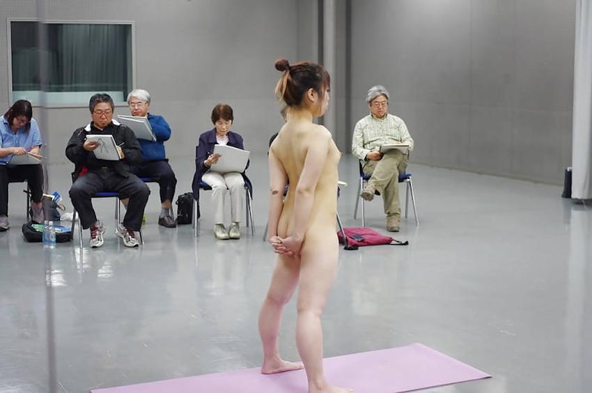 【ヌードモデルエロ画像】デッサン用のヌードモデルがエロ過ぎてスケッチそっちのけで輪姦しちゃうヌードモデルのエロ画像集!ww【80枚】 42