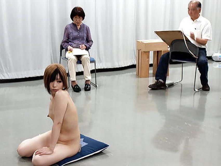 【ヌードモデルエロ画像】デッサン用のヌードモデルがエロ過ぎてスケッチそっちのけで輪姦しちゃうヌードモデルのエロ画像集!ww【80枚】 53