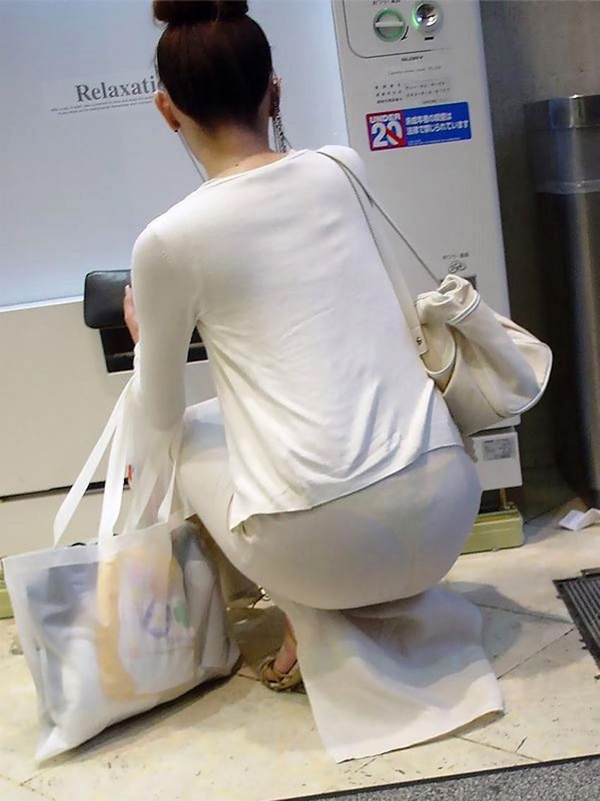 【パン線エロ画像】パンティーライン丸見えのパン線女子は全裸よりもエロいことに気がついていないパン線エロ画像集!ww【80枚】 33