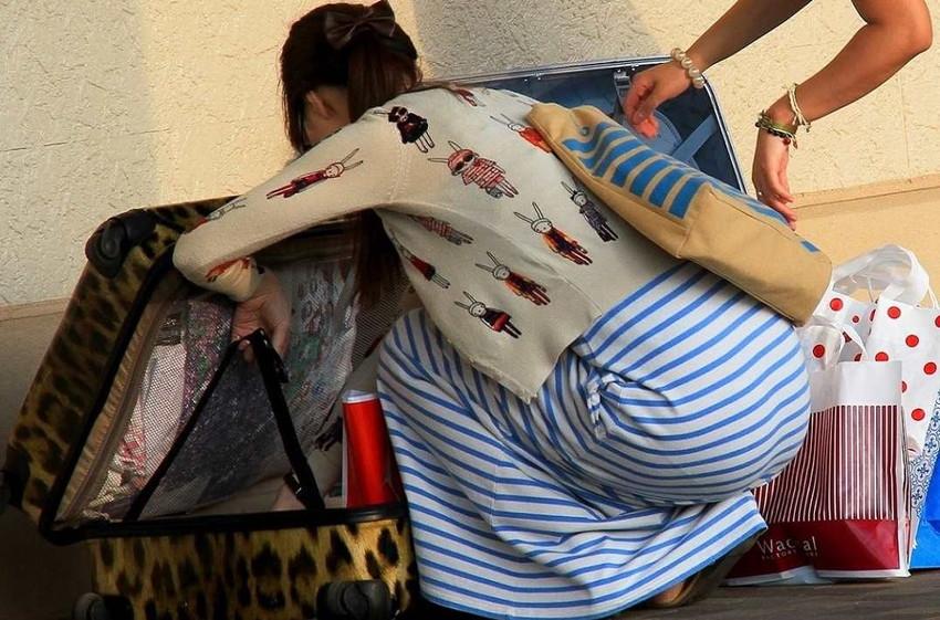 【パン線エロ画像】パンティーライン丸見えのパン線女子は全裸よりもエロいことに気がついていないパン線エロ画像集!ww【80枚】 39