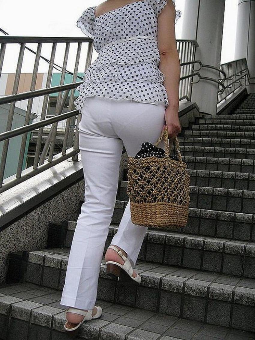 【パン線エロ画像】パンティーライン丸見えのパン線女子は全裸よりもエロいことに気がついていないパン線エロ画像集!ww【80枚】 53