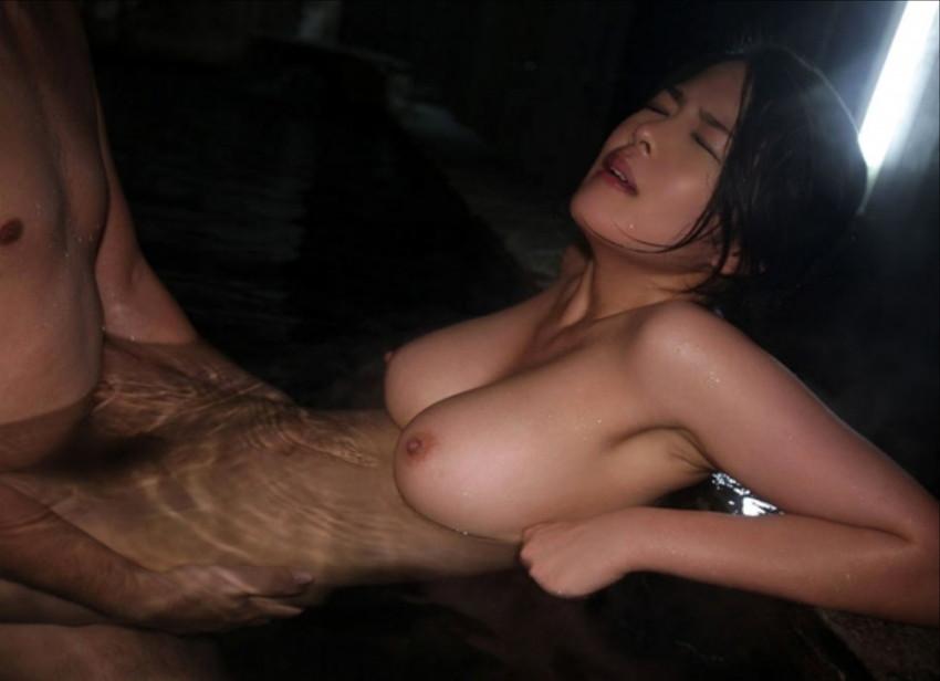 【お風呂セックスエロ画像】彼女やセフレ、不倫妻と入浴して濡れた乳首を弄りながらベロチューや手マンしてるお風呂セックスのエロ画像集!ww【80枚】 13