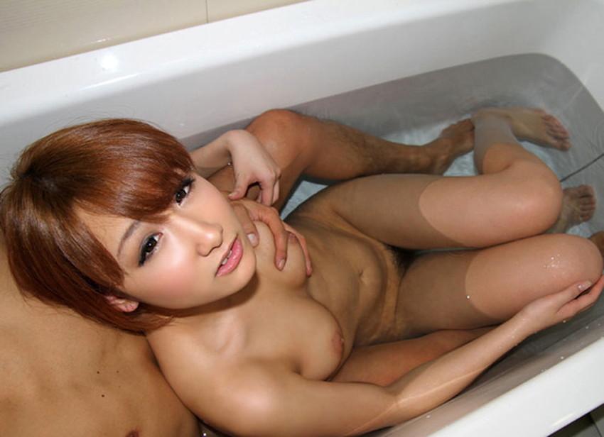 【お風呂セックスエロ画像】彼女やセフレ、不倫妻と入浴して濡れた乳首を弄りながらベロチューや手マンしてるお風呂セックスのエロ画像集!ww【80枚】 61