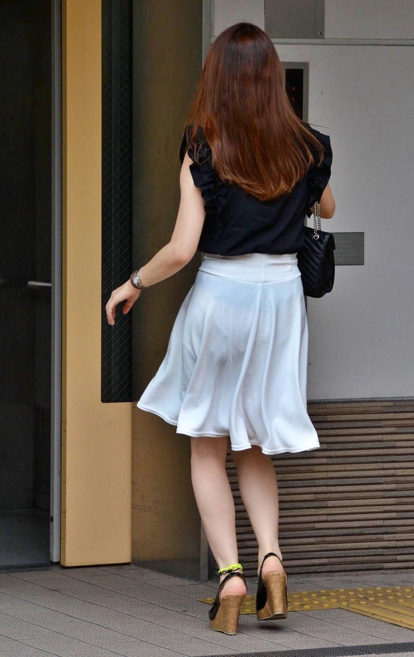 【透けパンツエロ画像】パンツ丸見えよりもタイトスカートや履いて下着が透けてる素人女子のほうが興奮しちゃう透けパンツのエロ画像酒!ww【80枚】 11