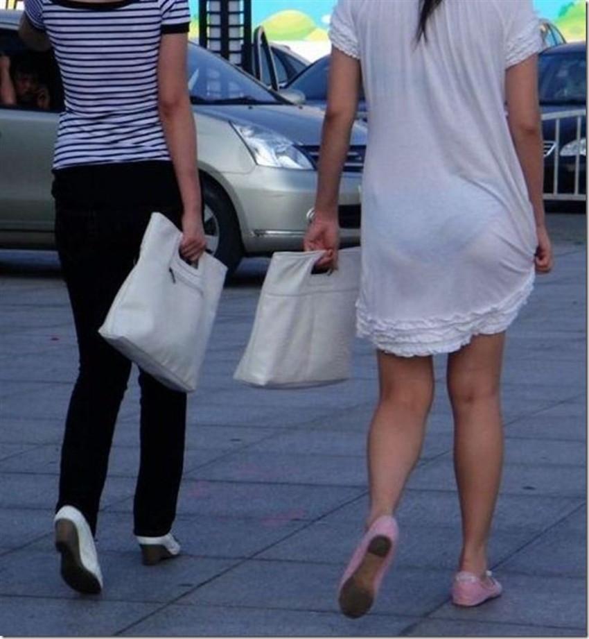 【透けパンツエロ画像】パンツ丸見えよりもタイトスカートや履いて下着が透けてる素人女子のほうが興奮しちゃう透けパンツのエロ画像酒!ww【80枚】 20