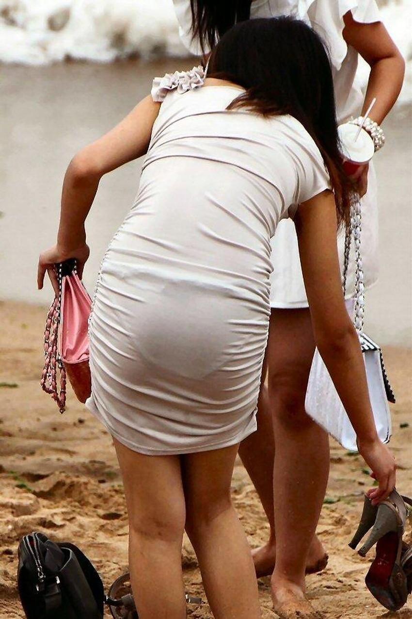 【透けパンツエロ画像】パンツ丸見えよりもタイトスカートや履いて下着が透けてる素人女子のほうが興奮しちゃう透けパンツのエロ画像酒!ww【80枚】 22