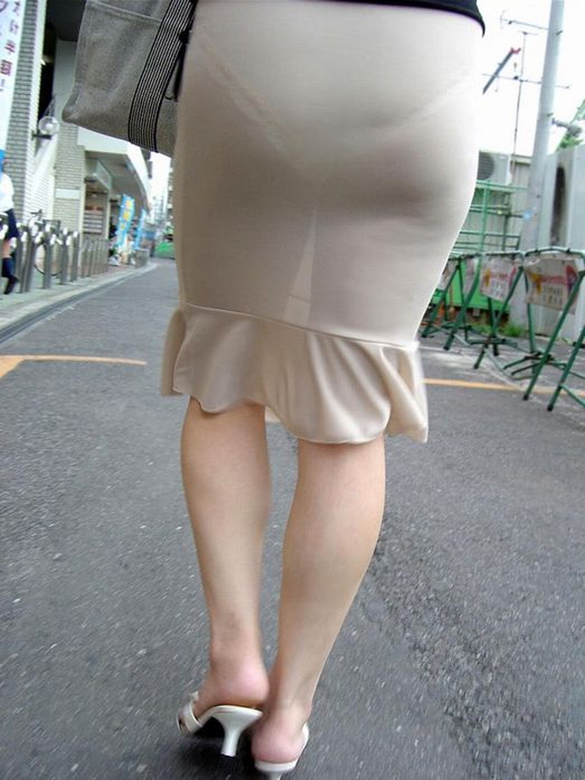 【透けパンツエロ画像】パンツ丸見えよりもタイトスカートや履いて下着が透けてる素人女子のほうが興奮しちゃう透けパンツのエロ画像酒!ww【80枚】 33