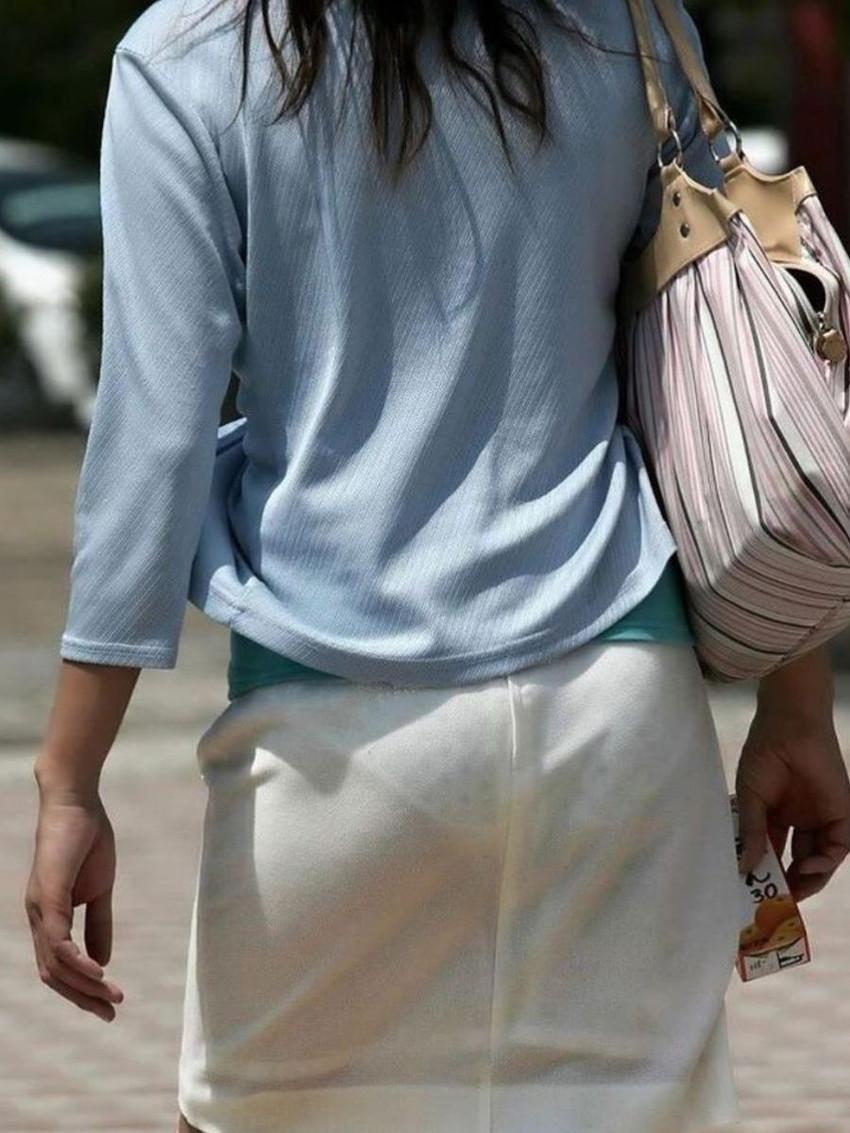 【透けパンツエロ画像】パンツ丸見えよりもタイトスカートや履いて下着が透けてる素人女子のほうが興奮しちゃう透けパンツのエロ画像酒!ww【80枚】 52