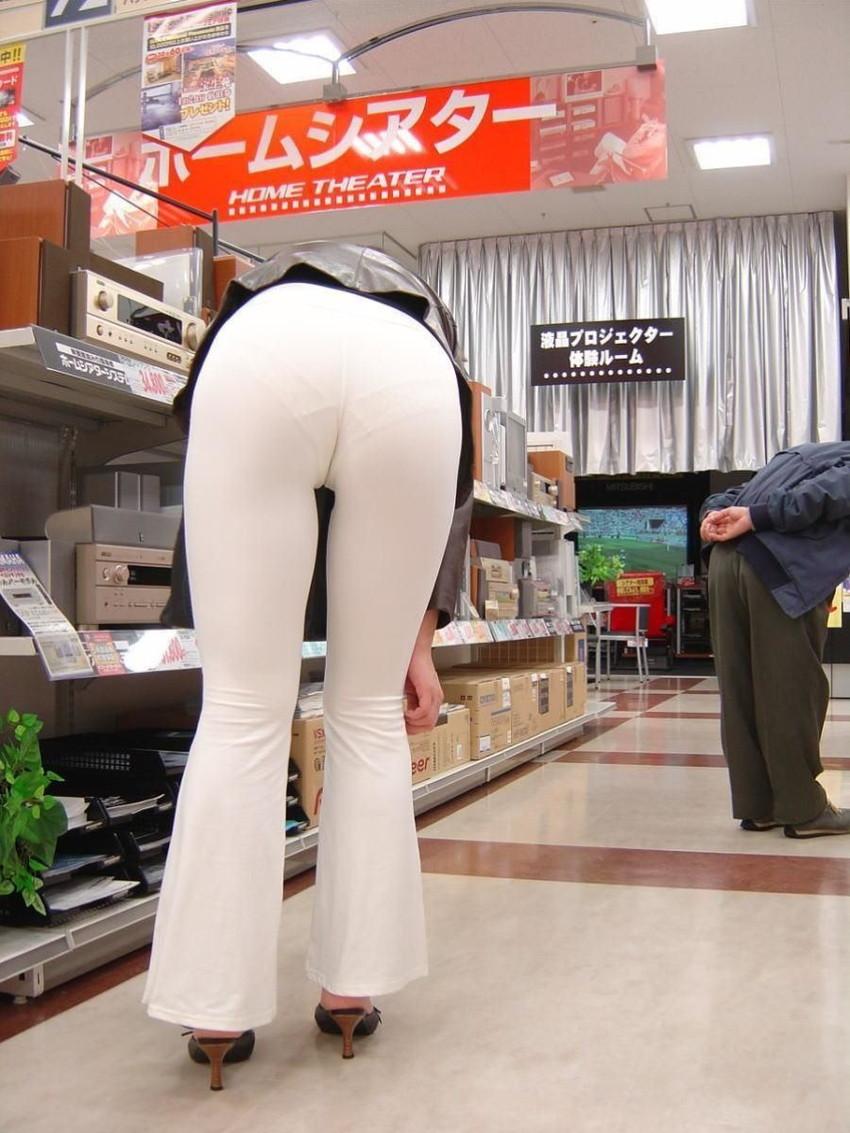 【透けパンツエロ画像】パンツ丸見えよりもタイトスカートや履いて下着が透けてる素人女子のほうが興奮しちゃう透けパンツのエロ画像酒!ww【80枚】 56