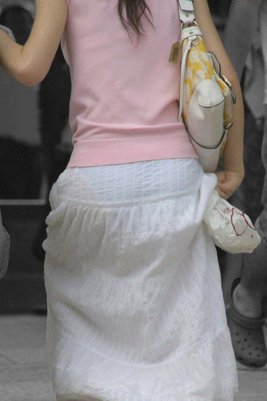【透けパンツエロ画像】パンツ丸見えよりもタイトスカートや履いて下着が透けてる素人女子のほうが興奮しちゃう透けパンツのエロ画像酒!ww【80枚】 71