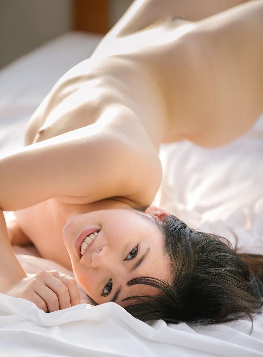 【肋骨エロ画像】巨乳なのに肋骨が浮き出るくびれボイン美女や肋骨が美しいスレンダー女子達の肋骨エロ画像集!ww【80枚】 52