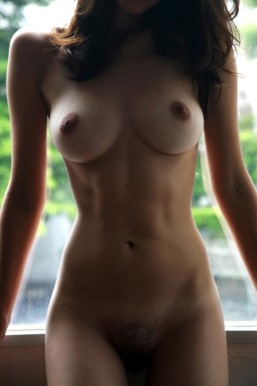 【肋骨エロ画像】巨乳なのに肋骨が浮き出るくびれボイン美女や肋骨が美しいスレンダー女子達の肋骨エロ画像集!ww【80枚】 55