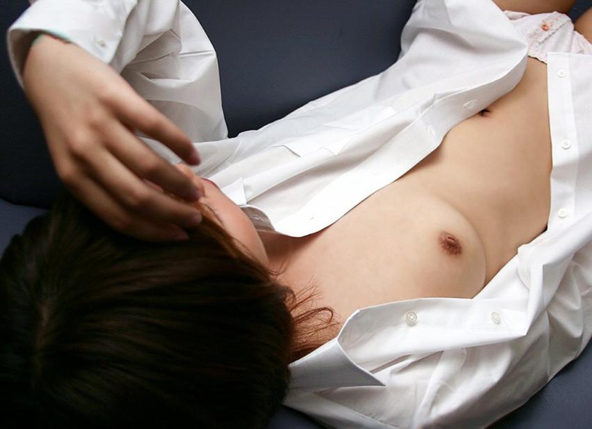 【裸Yシャツエロ画像】裸で男性用Yシャツ羽織る美女の破壊力は抜群!ww濡れ透け乳首や着衣セックスを堪能できる裸Yシャツのエロ画像集【80枚】 12