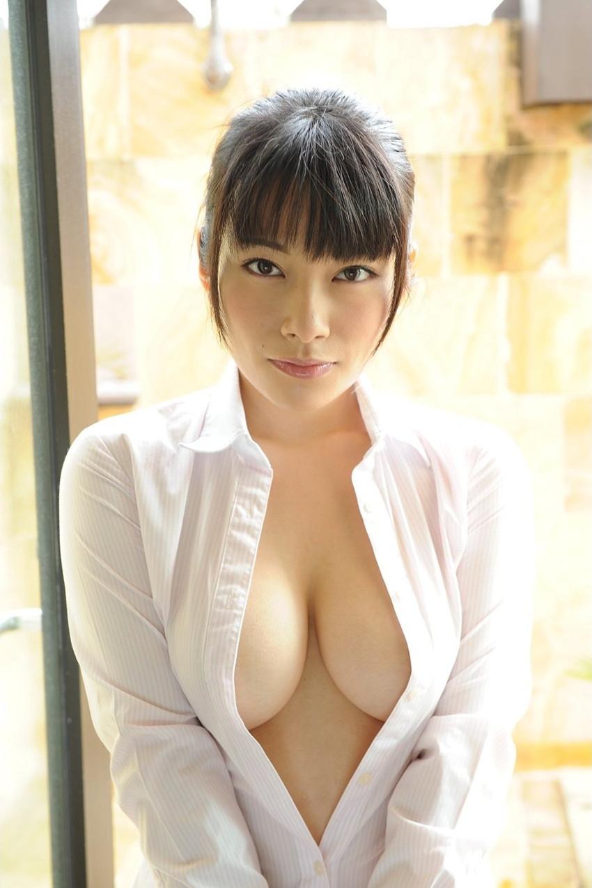 【裸Yシャツエロ画像】裸で男性用Yシャツ羽織る美女の破壊力は抜群!ww濡れ透け乳首や着衣セックスを堪能できる裸Yシャツのエロ画像集【80枚】 56