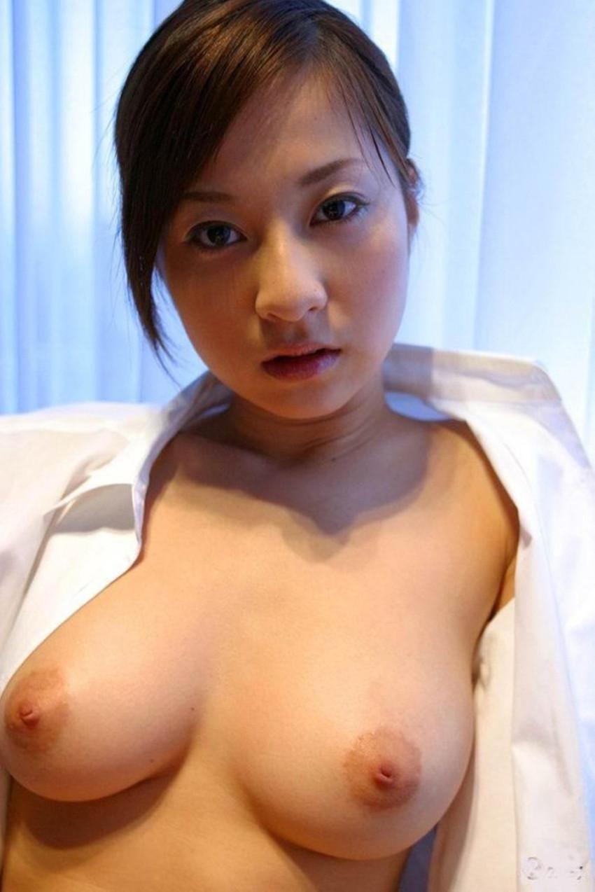 【裸Yシャツエロ画像】裸で男性用Yシャツ羽織る美女の破壊力は抜群!ww濡れ透け乳首や着衣セックスを堪能できる裸Yシャツのエロ画像集【80枚】 78
