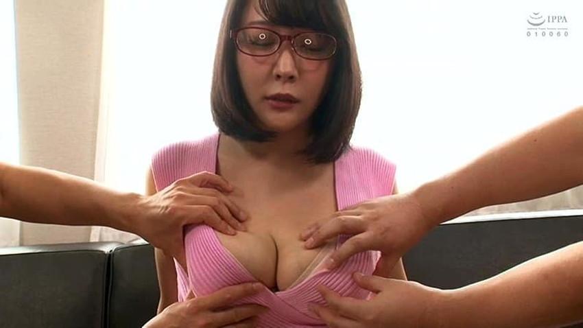 【ニット乳エロ画像】爆乳をキツキツのセーターでアピールして着衣巨乳がエロ過ぎるニット乳のエロ画像集!ww【80枚】 22