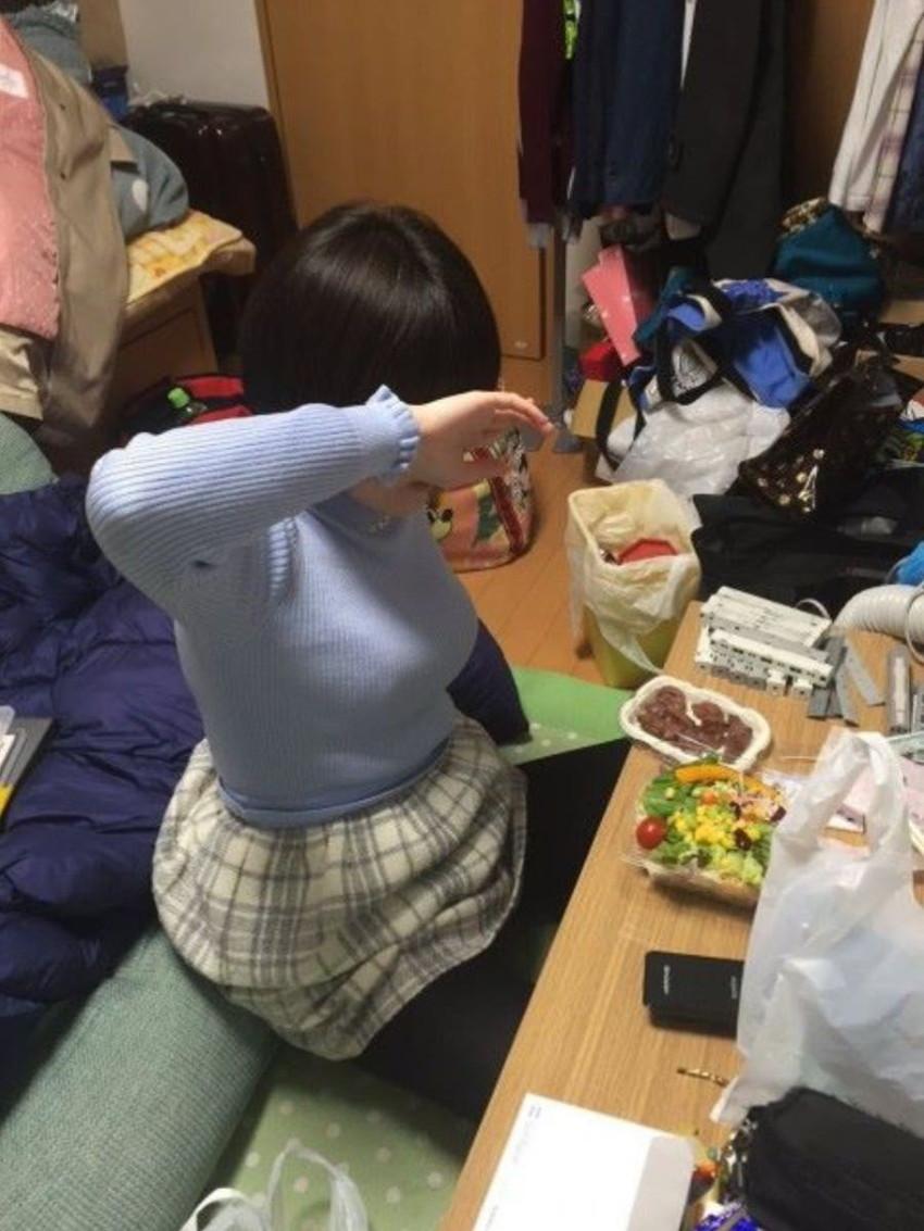 【ニット乳エロ画像】爆乳をキツキツのセーターでアピールして着衣巨乳がエロ過ぎるニット乳のエロ画像集!ww【80枚】 39