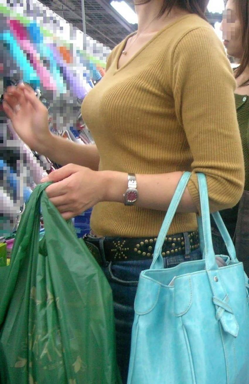 【ニット乳エロ画像】爆乳をキツキツのセーターでアピールして着衣巨乳がエロ過ぎるニット乳のエロ画像集!ww【80枚】 68