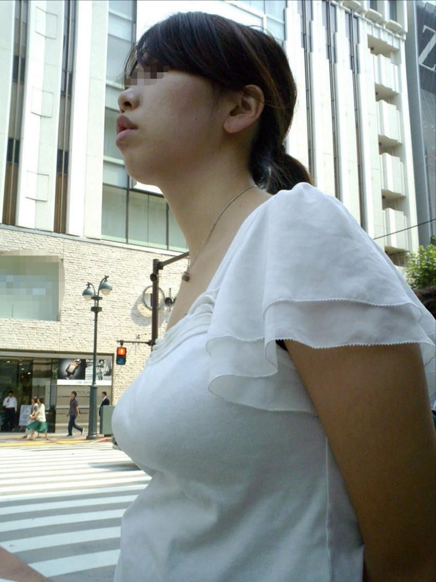 【着衣巨乳エロ画像】こんな見事な巨乳おっぱい揉んでみたいのは男の性! 08
