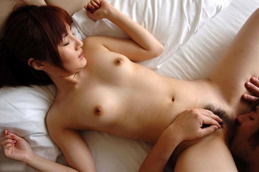 【クンニリングスエロ画像】女の子の股間を舐めまくるプレイがこちらwww 37