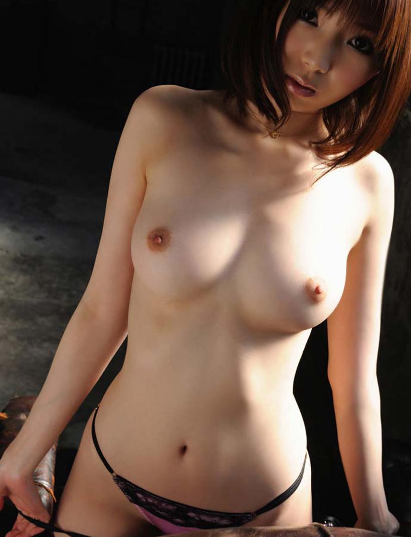 【美乳エロ画像】思わず感嘆のため息…美乳の女の子を集めた美乳特集! 47