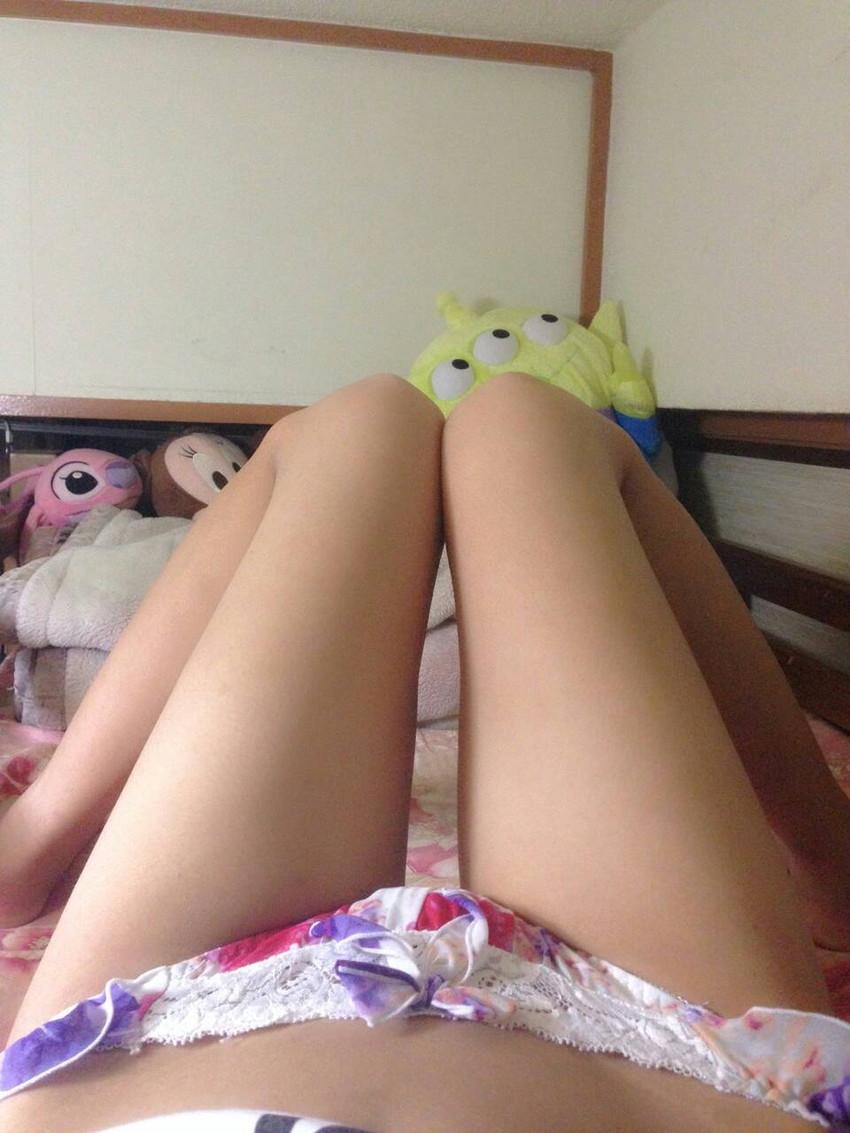 【素人自撮りエロ画像】自らの破廉恥な姿を自撮りして晒すえっちな素人娘! 12