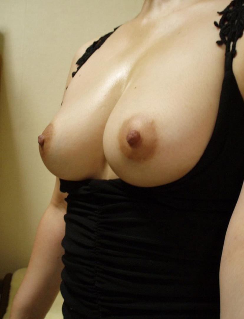 【素人自撮りエロ画像】自らの破廉恥な姿を自撮りして晒すえっちな素人娘! 17
