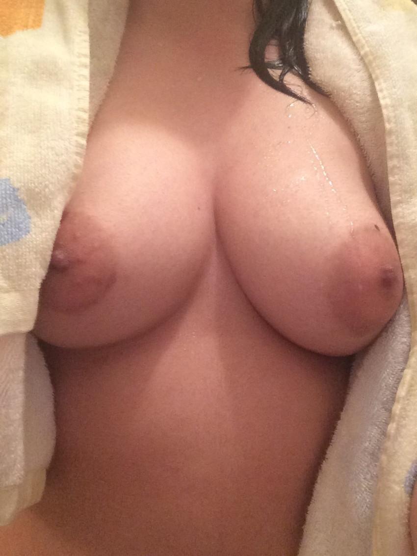 【素人自撮りエロ画像】自らの破廉恥な姿を自撮りして晒すえっちな素人娘! 49