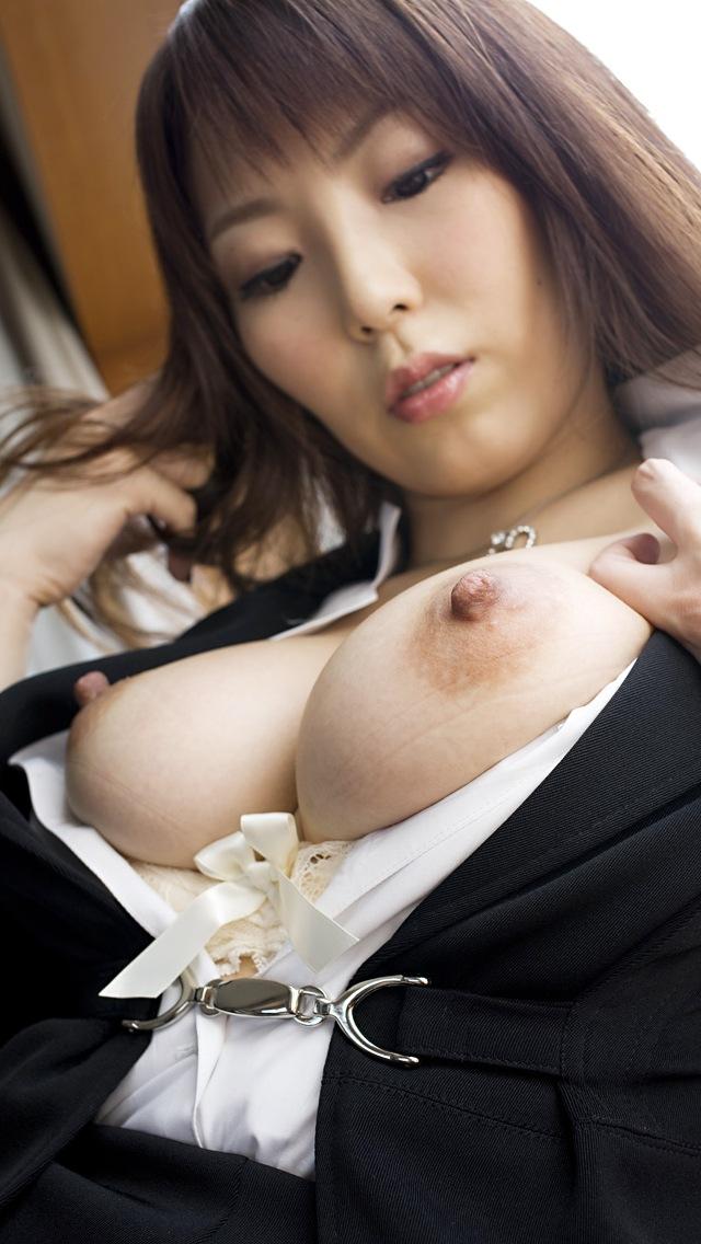 【乳首エロ画像】勃起している乳首って見るだけで抜けるよな!?www 41