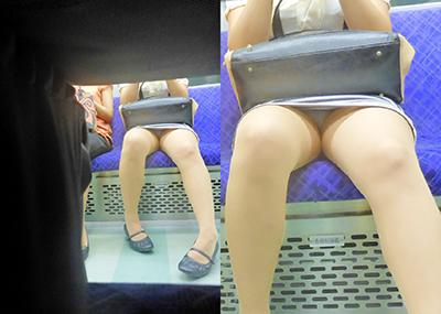 【電車内盗撮エロ画像】素人娘のパンチラや胸チラを電車内で狙ってみた結果
