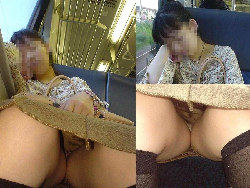 【電車内盗撮エロ画像】素人娘のパンチラや胸チラを電車内で狙ってみた結果 15