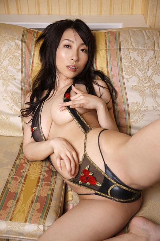 【美熟女エロ画像】年をとっても美しく艶やかな美熟女たちのエロ画像が抜ける! 35