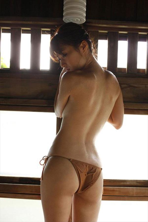 【美尻エロ画像】女の子の体の魅力はおっぱいだけにあらず!っていうやつww 13