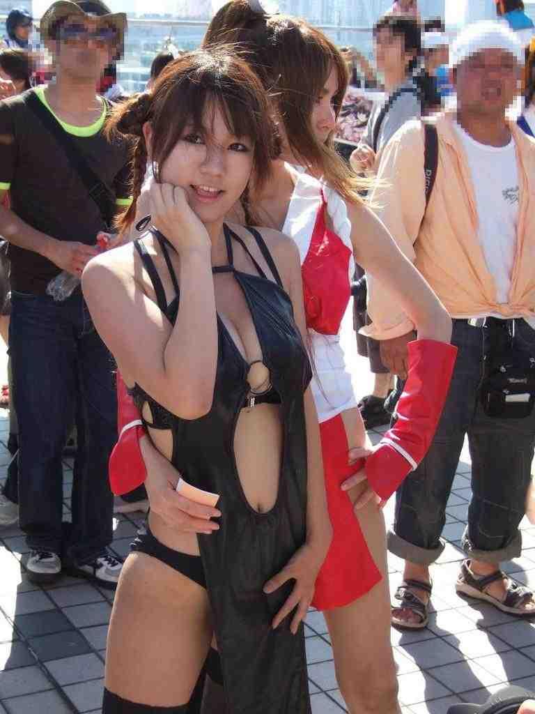 【コミケエロ画像】イベント会場で過激衣装で観衆を魅了するコスプレイヤー! 15